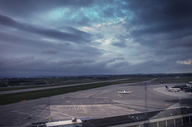 Flyside og himmel