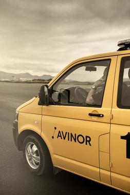 Driftsbil med logo